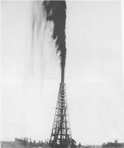 lucas-gusher-at-spindeltop-oil-field-texas-january-10-1901